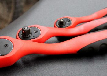 black-and-red-socket-wrench-221045